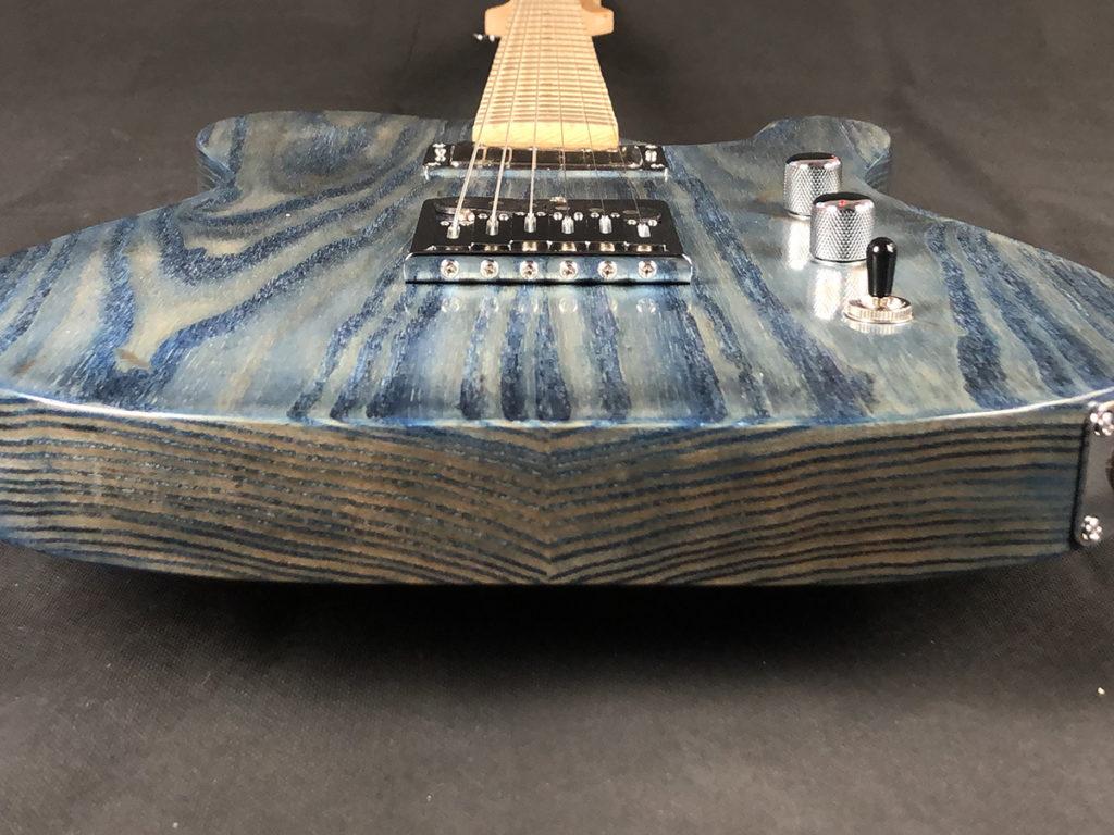 6 Munson Guitars tempest retro 2019